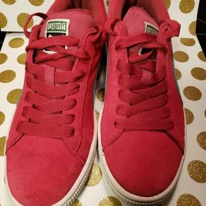 Puma suede sneakers size 7